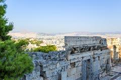 Athen. Eingang zur Akropolise und zur Ansicht der Stadt Stockfotografie