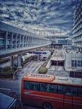 Athen-Flughafen eleytherios venizelo, das Rohr, das pasengers zur Subvention und zum Parken fährt stockfoto