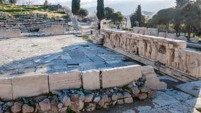 ATHEN, GRIECHENLAND - 20. JANUAR 2017: Überreste des Theaters von Dionysus in der Akropolise von Athen Lizenzfreies Stockbild