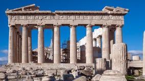 ATHEN, GRIECHENLAND - 20. JANUAR 2017: Leute vor dem Parthenon in der Akropolise von Athen, Attika Stockfoto