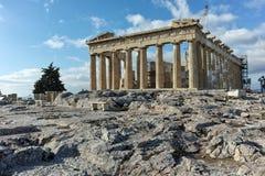 ATHEN, GRIECHENLAND - 20. JANUAR 2017: Panorama des Parthenons in der Akropolise von Athen, Griechenland Stockfoto