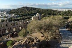 ATHEN, GRIECHENLAND - 20. JANUAR 2017: Ruinen von Odeon von Herodes-Atticus in der Akropolise von Athen, Griechenland Stockfotos