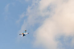 Athen, Griechenland am 13. September 2015 F16 oben im Himmel an der Athen-Luftwochen-Fliegenshow Stockfotografie