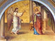 Athene - de fresko van Aankondiging op de voorgevel van Metropolitaanse Cathedaral door B Antoniasis (1895) stock foto