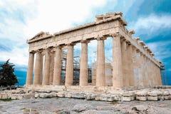 Athene, Griekenland - Februari 23, 2019: Oostelijke voorgevel van de Parthenon-tempel op de Akropolis van Athene, Griekenland stock afbeelding