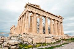Athene, Griekenland - Februari 23, 2019: Oostelijke voorgevel van de Parthenon-tempel op de Akropolis van Athene, Griekenland stock afbeeldingen