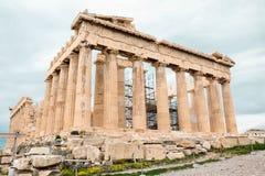 Athene, Griekenland - Februari 23, 2019: Oostelijke voorgevel van de Parthenon-tempel op de Akropolis van Athene, Griekenland stock foto