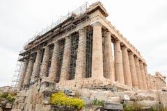 Athene, Griekenland - Februari 23, 2019: Westelijke voorgevel van de Parthenon-tempel op de Akropolis van Athene, Griekenland ond royalty-vrije stock afbeelding
