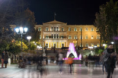 ATHENE, GRIEKENLAND - JANUARI 19 2017: Nachtfoto van Syntagmavierkant in Athene, Griekenland Stock Fotografie
