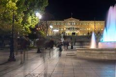 ATHENE, GRIEKENLAND - JANUARI 19 2017: Nachtfoto van Syntagmavierkant in Athene, Griekenland Stock Foto