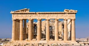 Athene, Griekenland - Maart 14, 2017: Oostelijke voorgevel van de Parthenon-tempel op de Akropolis van Athene, Griekenland royalty-vrije stock foto's