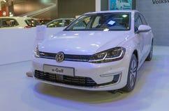 ATHENE, GRIEKENLAND - NOVEMBER 14, 2017: Volkswagen-e-golf bij de Motorshow van aftokinisi-Fisikon 2017 stock fotografie