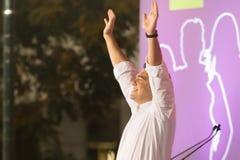 Athene, Griekenland 18 September 2015 Alexis Tsipras die aan de menigte in zijn laatste openbare toespraak golven Royalty-vrije Stock Fotografie