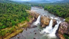 Athirapilly vattenfall, Kerala arkivbilder