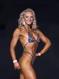 Athlète Dazzles de forme physique dans le bikini photos stock