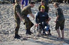 Athlète handicapé à un triathlon Image stock
