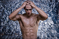 Athlète nu avec le corps fort Images stock