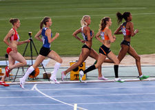 Athlètes dans les 800 mètres de l'événement de Heptathlon Image libre de droits
