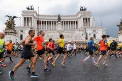 Athlètes participant au 23ème marathon à Rome Photo libre de droits