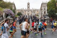 Athlètes participant au 23ème marathon à Rome Photos stock