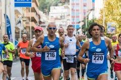 Athlètes pendant un marathon tenu en Sicile Photo libre de droits