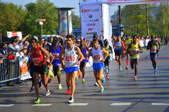 Athlètes supérieurs courant Sofia Marathon Images libres de droits