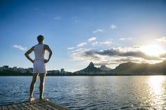 Athlet Standing White Uniform Rio de Janeiro Lizenzfreie Stockbilder