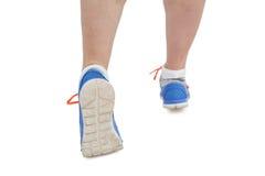 Athletenfrau in bereitem in Laufposition lizenzfreies stockbild