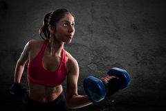 Athletic muscular woman Royalty Free Stock Photos