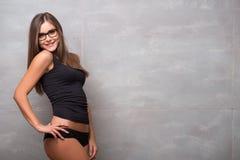 Athletisch-aussehendes junges sexy Mädchen Stockfoto