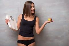 Athletisch-aussehendes junges sexy Mädchen Stockfotos