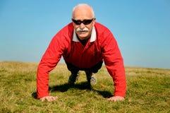 Athletischer älterer Mann Lizenzfreie Stockbilder