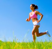 Athletisches Frauen-Trainieren Lizenzfreies Stockfoto