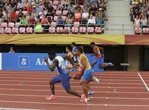 Athlets que corre en 100 metrs Semi-finales en campeonato del mundo U20 de IAAF en Tampere, Finlandia 11 de julio, fotos de archivo