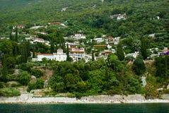athos monterar den traditionella byn Arkivbilder