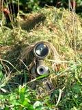 Atirador furtivo disfarçado e seu rifle Imagem de Stock Royalty Free
