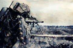 Atirador furtivo futurista do exército Fotografia de Stock Royalty Free