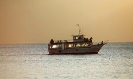atitlan小船危地马拉湖 免版税库存图片