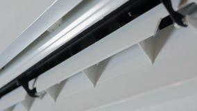 Ativação e funcionamento do condicionador de ar Girando o impulsor da unidade exterior vídeos de arquivo