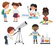 Atividade bonito dos alunos do vetor no grupo da escola Poucas crianças da escola ajustadas Fotos de Stock