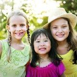 A atividade brincalhão do divertimento da infância das crianças da criança caçoa o conceito Imagens de Stock