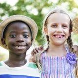A atividade brincalhão do divertimento da infância das crianças da criança caçoa o conceito Fotografia de Stock