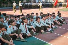 Atividade de treino militar 16 das estudantes universitário de China Imagem de Stock Royalty Free