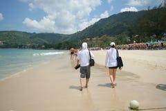 Atividade do turista na praia tropical da ilha de Phuket Foto de Stock Royalty Free