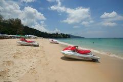 Atividade do turista na praia tropical da ilha de Phuket Imagem de Stock Royalty Free