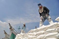 Atividade Labor no porto de Sunda Kelapa, Jakarta Fotos de Stock