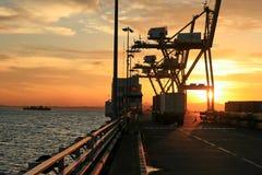 Atividades da importação da exportação no porto internacional Fotografia de Stock