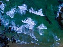 Atlântico acena da parte superior imagens de stock