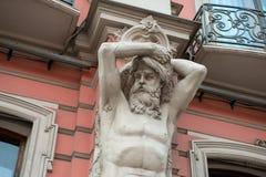 Atlant statuy na budynku przy Nevsky Prospekt ja Obrazy Stock