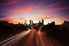 Atlanta de stad in bij schemer Royalty-vrije Stock Afbeeldingen